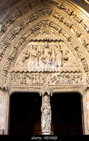 West Door, front, of Santa María de León Cathedral in Leon, Castilla y Leon, Spain - Stock Photo