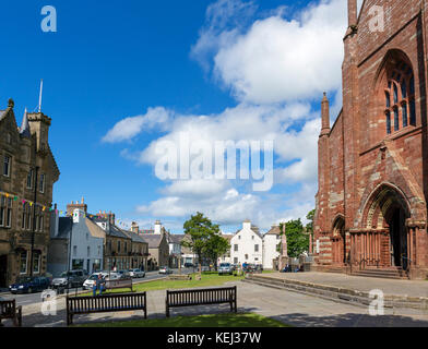 Broad Street in the town centre with St Magnus Cathedral to the right, Kirkwall, Mainland, Orkney, Scotland, UK - Stock Photo