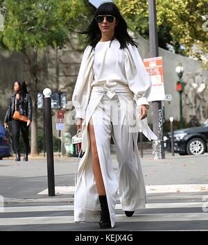 Paris, France. 30th Sep, 2017. Laura Comolli on the street during the Paris Fashion Week Credit: Mauro Del Signore/Pacific - Stock Photo