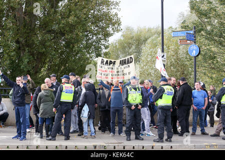 Peterborough, UK. 21st Oct, 2017. EDL demonstration in Peterborough. At the same time there is a counter demonstration - Stock Photo