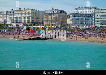 Eastbourne Beach view from Eastbourne Pier, during heatwave and Airshow day. - Stock Photo