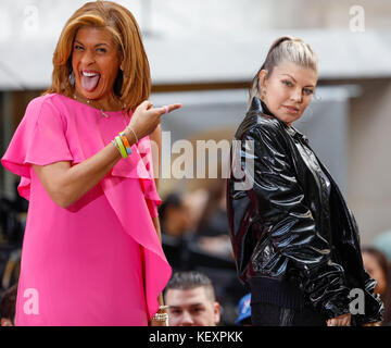NBC Today Show Concert with Fergie Stock Photo: 32658771 ...