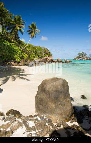 The Seychelles, Mahe, Anse Royale, Ile Souris, beach, granite rock sculpted by the sea - Stock Photo
