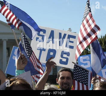Washington, Estados Unidos. 24th Oct, 2017. People shout 'Let's save the TPS' during a protest to defend the families - Stock Photo