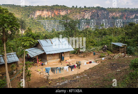 Local house by the Goteik viaduct, a railway trestle in Nawnghkio, between Pyin Oo Lwin and Lashio, the principal - Stock Photo