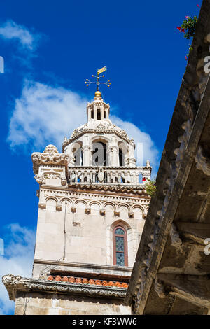 The beautiful details on the exterior of St Marks Cathedral in the centre of Korcula's old town, captured against - Stock Photo