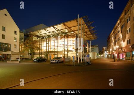 Staatstheater in Mainz, Rheinland-Pfalz, Kleines Haus, Nachtaufnahme, Beleuchtung - Stock Photo