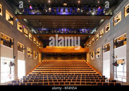 Staatstheater in Mainz, Rheinland-Pfalz, Kleines Haus, Zuschauerraum, Zuschauersaal, Auditorium, Stuhlreihen, Beleuchtungstechnik, - Stock Photo