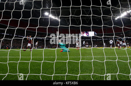 West Ham United goalkeeper Adrian reacts after Tottenham Hotspur's Dele Alli (not pictured) scores his side's second - Stock Photo