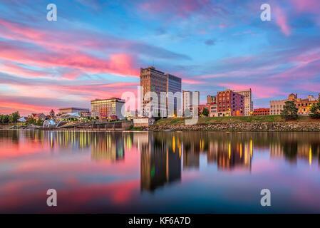 Charleston west virginia usa city skyline golden for Capital city arts and crafts show charleston wv