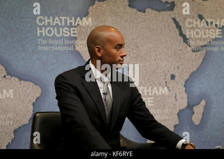 London, UK. 26th Oct, 2017. Chuka Umunna, Labour party MP and chair of Vote Leave Watch, speaking on the international - Stock Photo