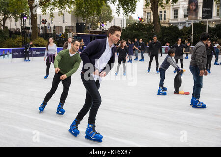 London, UK. 26th October, 2017. Beginners and advanced skaters enjoy the Swarovski Ice Rink in the Victorian grounds - Stock Photo