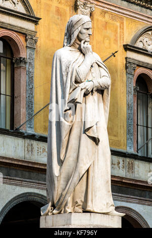 Statue of Dante Alighieri, the major Italian poet in Piazza dei Signori square, Verona, Veneto, Italy - Stock Photo