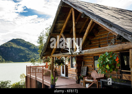 USA, Alaska, Redoubt Bay, Big River Lake, the cabins at Redoubt Bay Lodge - Stock Photo