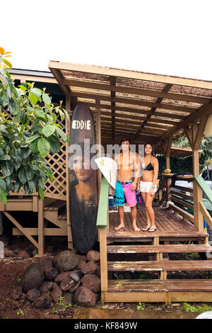 USA, Oahu, Hawaii, portrait of MMA Mixed Martial Arts Ultimate fighter Lowen Tynanes and Logan Garcia at the house - Stock Photo