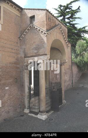 Side entrance to the basilica of San Clemente al Laterano, Rome, Italy    Credit © Fabio Mazzarella/Sintesi/Alamy - Stock Photo