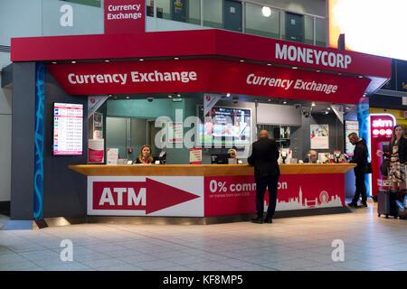 airport money exchange kiosk stock photo royalty free image 35694877 alamy. Black Bedroom Furniture Sets. Home Design Ideas
