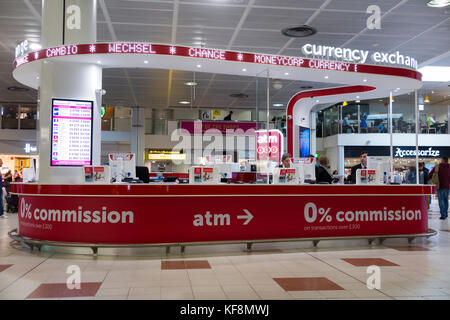 Moneycorp currency exchange shop for travel money north terminal stock photo royalty free - Gatwick airport bureau de change ...