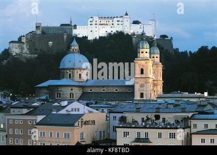 Austria, Salzburg (UNESCO's World Heritage Site, 1996). Cathedral and fortress. Night view - Stock Photo