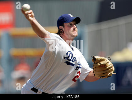 Los Angeles Dodgers'  Derek Lowe pitches against the Arizona Diamondbacks during the first inning of a baseball - Stock Photo