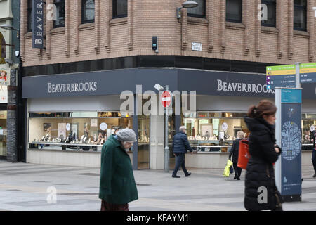 Beaverbrooks Jewellers Shop at the junction of Donegall Place and Castle Lane in Belfast city centre. - Stock Photo
