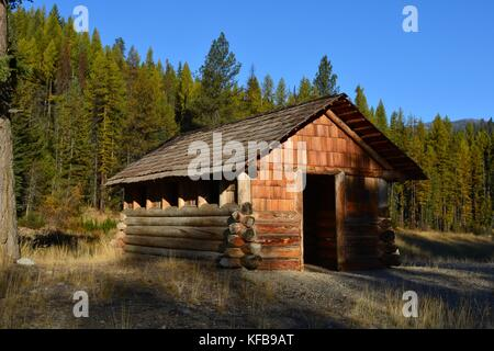 Restored Civilian Conservation Camp (CCC) cabin on the Sherman Pass Scenic Byway. - Stock Photo