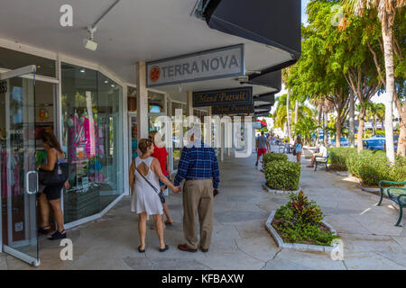 People shopping on St. Armands Circle on Lido key in Sarasota Florida - Stock Photo