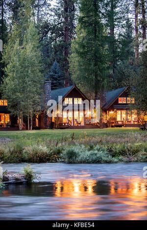 Usa oregon camp sherman metolius river resort cabins for River view cabins