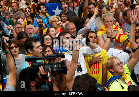 Barcelona, Spain. 27th October, 2017. Catalan republic proclamation, in Barcelona, on october 27, 2017. Credit: - Stock Photo