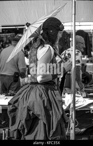 © Sundry Scene Studios, Roxanne M. Duff | http://sundryscenestudios.com - Stock Photo