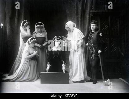 Renée Vivien, née Pauline Mary Tarn, nicknamed 'Sapho 1900.'  French poet.  c.1905    Taponier Photo - Stock Photo