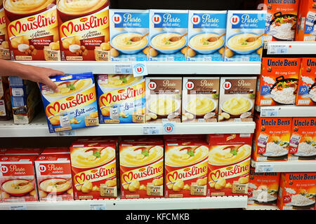 Dehydrated mash of various brands in a Super U Supermarket - Stock Photo