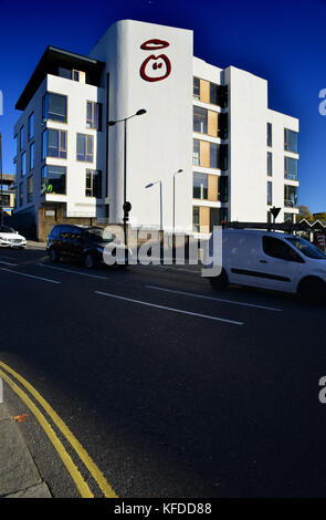 UK: London: Ladbroke Grove: Innocent HQ - Stock Photo