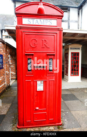 A K4 '24 hour Post office kiosk', National Telephone Kiosk Collection at the Avoncroft Museum of Buildings, Bromsgrove, - Stock Photo
