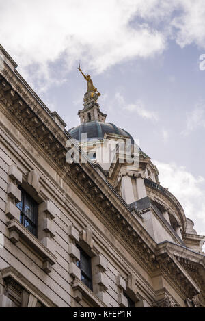 The statue of Lady Justice atop the dome of the Old Bailey Crown Court  in London - Stock Photo