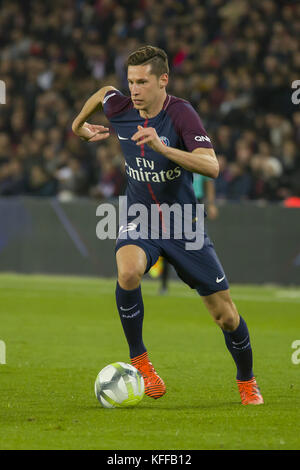 Paris, Paris, France. 27th Oct, 2017. Julian Draxler in action during the French Ligue 1 soccer match between Paris Saint Germain (PSG) and Nice at Parc des Princes. Credit: SOPA/ZUMA Wire/Alamy Live News
