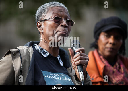 London, UK. 28th October, 2017. Ajibola Lewis, mother of Olaseni Lewis, addresses campaigners from the United Families and Friends Campaign (UFFC) following their annual procession in remembrance of family members and friends who died in police custody, prison, immigration detention or secure psychiatric hospitals. Olaseni Lewis, 23, died following prolonged restraint at the Bethlem Royal Hospital in South London on 31 August 2010. Credit: Mark Kerrison/Alamy Live News