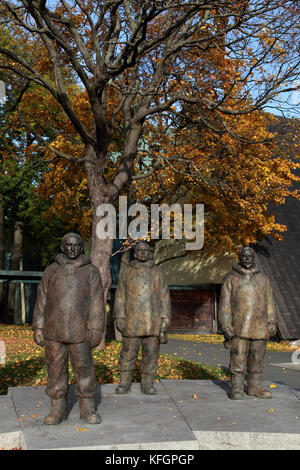 Statues at the Fram museum in Oslo to remember Roald Amundsen (centre) and his team, first to reach the South Pole - Stock Photo