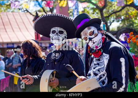 San Antonio, Texas, USA. 29th Oct, 2017. Costumed drummers perform at a San Antonio Texas Day of the Dead, Dia de - Stock Photo