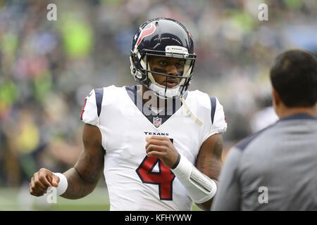 Seattle, Washington, USA. 29th Oct, 2017. Houston quarterback DeSHAUN WATSON (4) loosens up before the game as the - Stock Photo