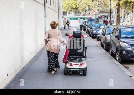 seniors in france