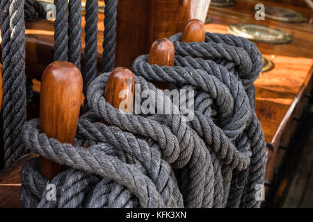 Detail of ropes on Discovery ship berthed in Dundee ,Tayside, Scotland, - Stock Photo