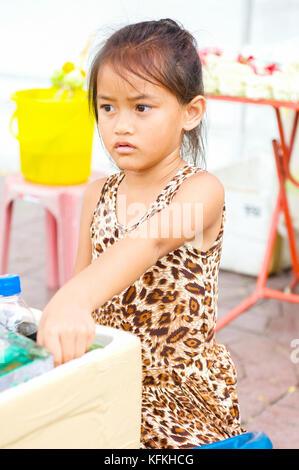 1 one thai girl street vendor food vendor selling for Tiny thai teen