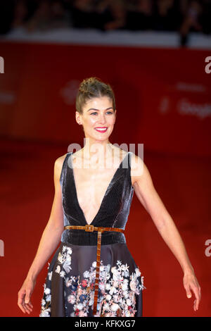Rome, Italy. 29th Oct, 2017. Rome Film Festival. red carpet film 'Hostiles'. Pictures: Rosamund Pike. Credit: Polifoto/Alamy - Stock Photo