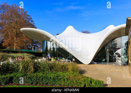 Serpentine Sackler Gallery exterior with the Magazine Restaurant extension designed by architect Zaha Hadid, Hyde - Stock Photo