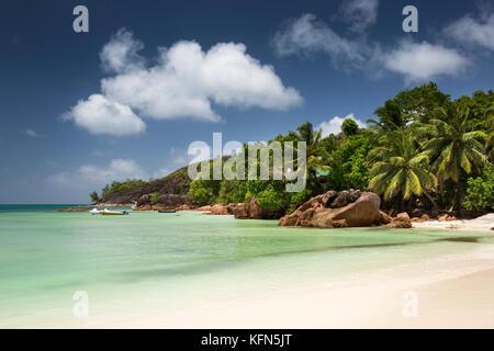 The Seychelles, Praslin, Anse Volbert, idyllic empty Cote d'Or beach at Anse Gouvernment - Stock Photo