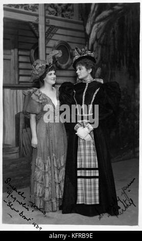 Show Boat - musical by Jerome Kern with lyrics by Oscar Hammerstein II. 1939 production. With Irene Chilcott as - Stock Photo