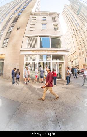 Magnolia Bakery on 6th Ave, New York, NY 10020, USA - Stock Photo