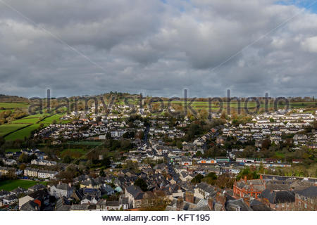 View of the town from Launceston Castle looking North towards St. Stephens Church. - Stock Photo