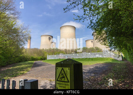 Drax Coal Fired Power Station & power distribution station - Stock Photo
